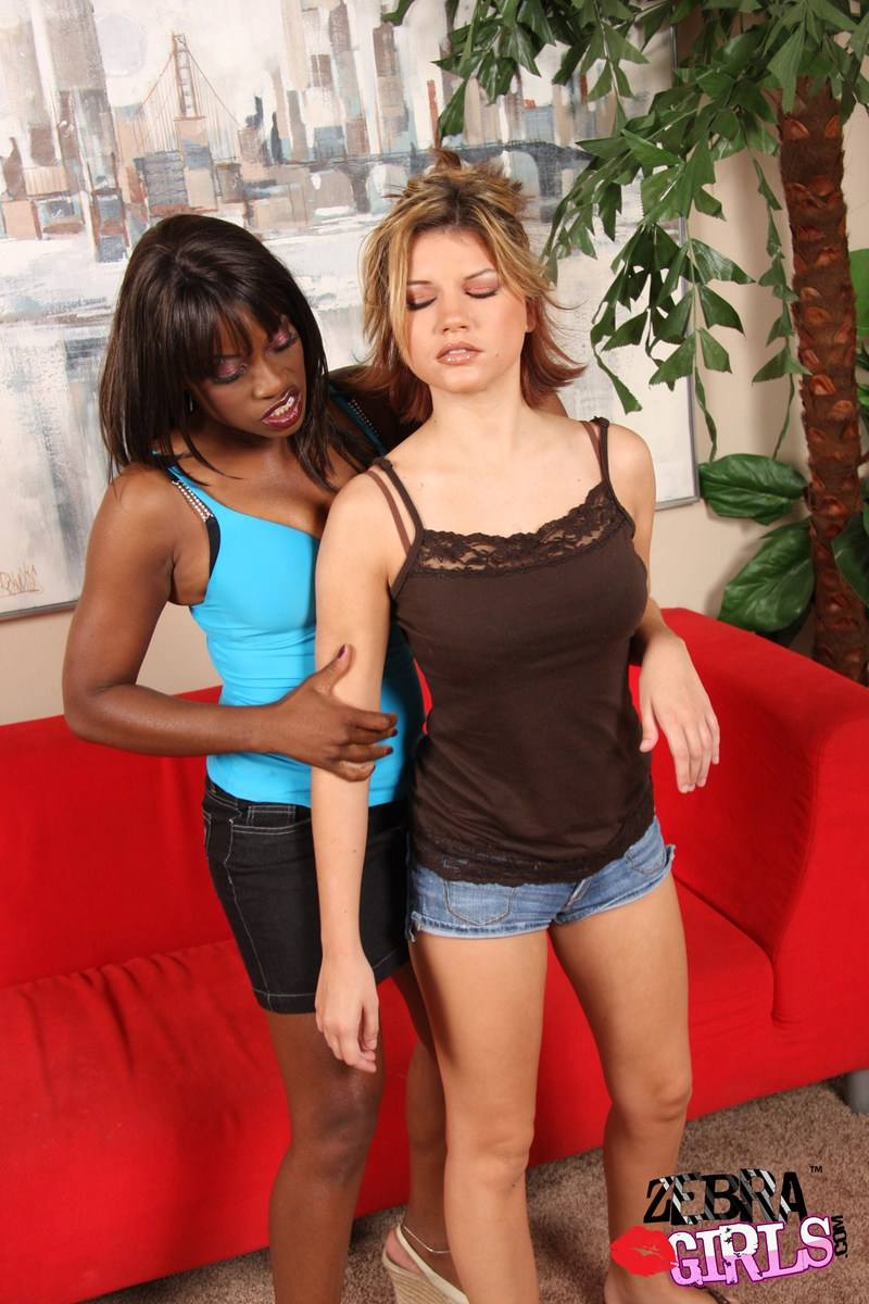 girls feeling and fucking each other