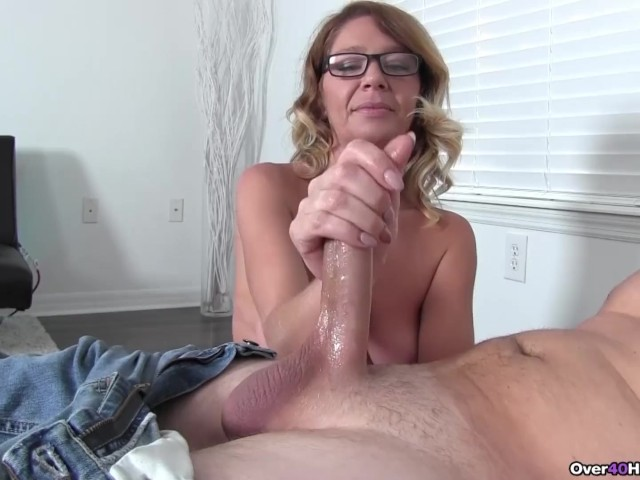lick her to shiver and squirt