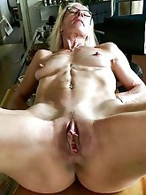 big dick makes her squirt